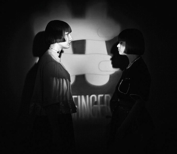 Темы  NINE FINGERS: дизайн в 4 руки и 9 пальцев