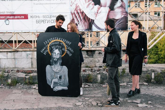 Стрелка  «Флаг в руки»: Как перезагрузить старый двор за девять тысяч рублей