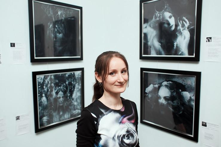 """Люди  Цветы, лица, брызги: как фотограф Анна Дэйви придумала жанр """"биосюрреализм"""""""