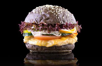 Новости  Новости еды: облепиховый пунш в McDonald's, 50% на бургеры в «Артели» и день клиента в Black Bear