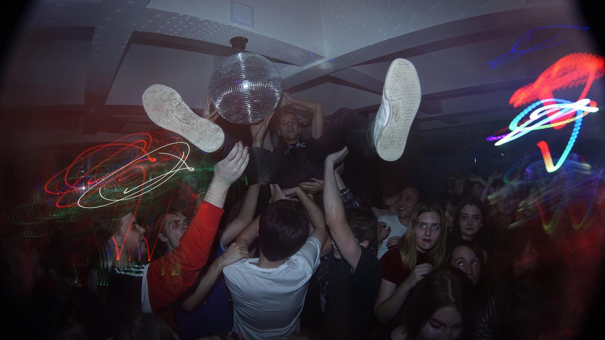 Люди  «Танцуй, или иди к черту». Лидер объединения «культпросвет» о независимой сцене