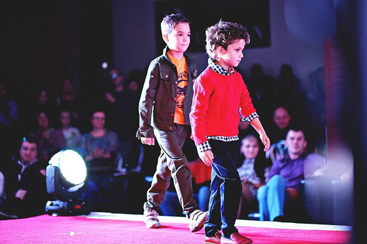 События  Kids fashion weekend : 5 городов, 8 метров, 90 килограммов