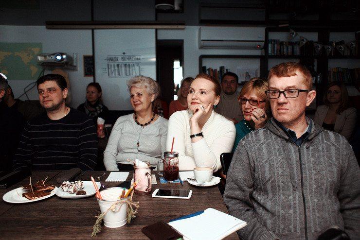 События  Чем кормят на бизнес-завтраке?