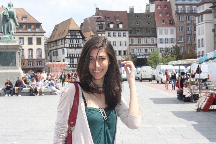Люди  Страсбург: круассаны, бесплатная медицина и бумажные пакеты