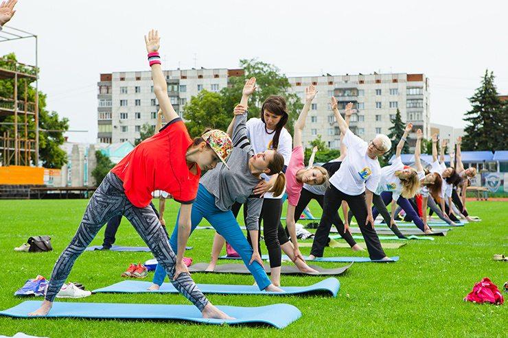 События  Как прошел День йоги в Курске?