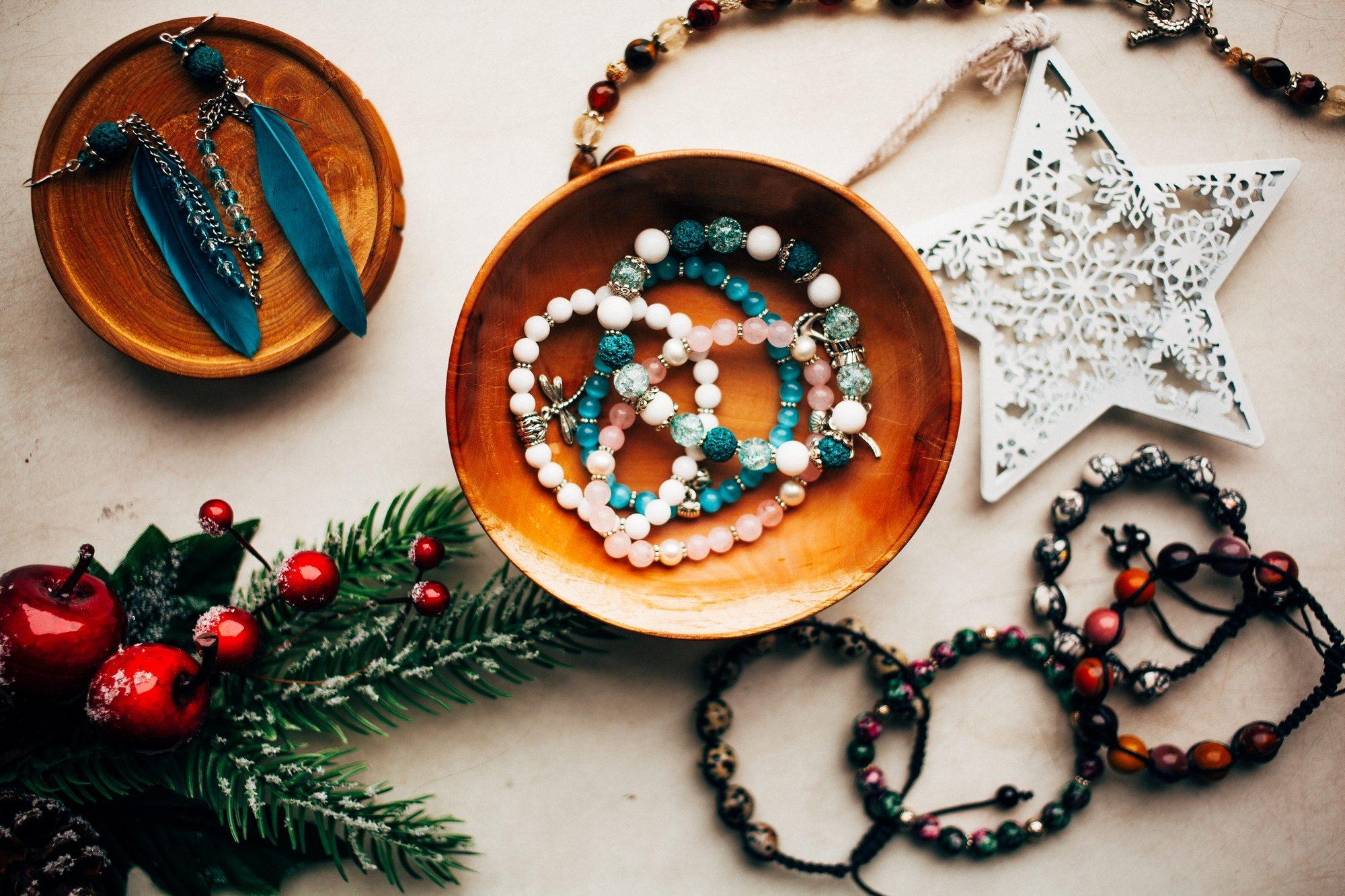 Новый год 2017 Темы  Что подарить девушке на Новый год