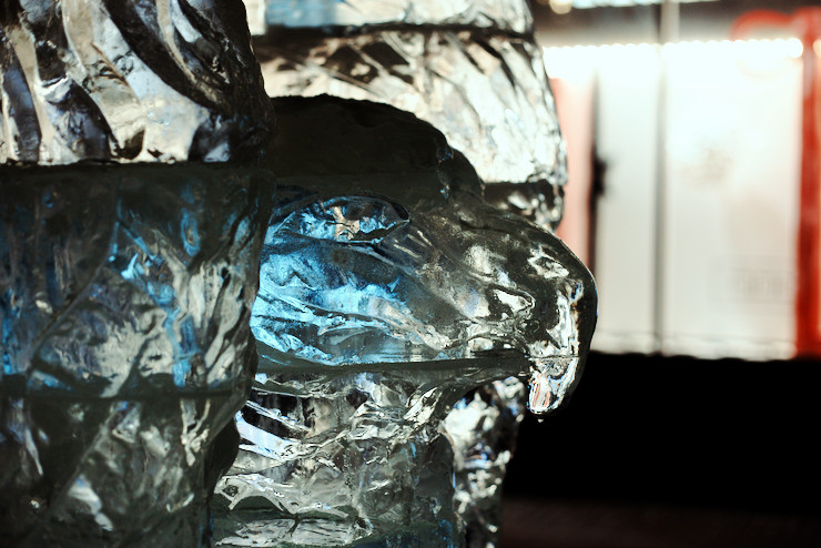 События  Кто делал фигуры для фестиваля ледовых скульптур?