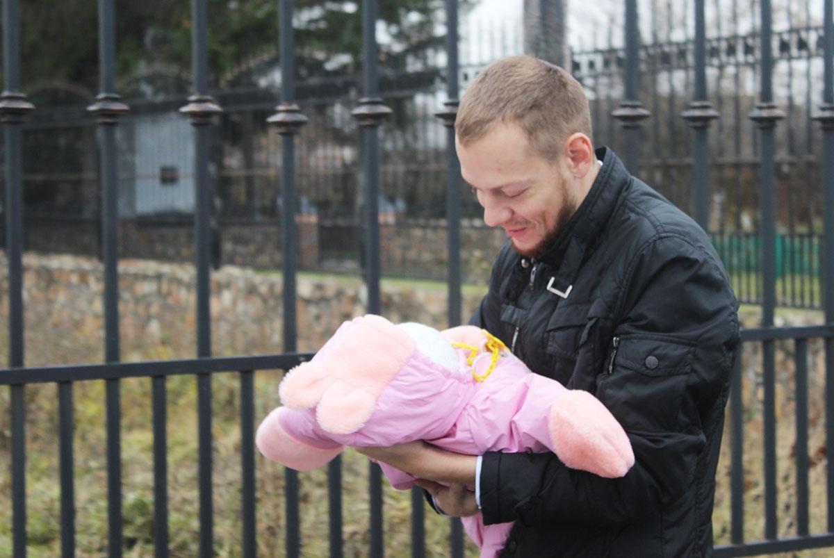 События  «Приходится «бдить» 24 часа в сутки»: три молодых отца о своей жизни с детьми