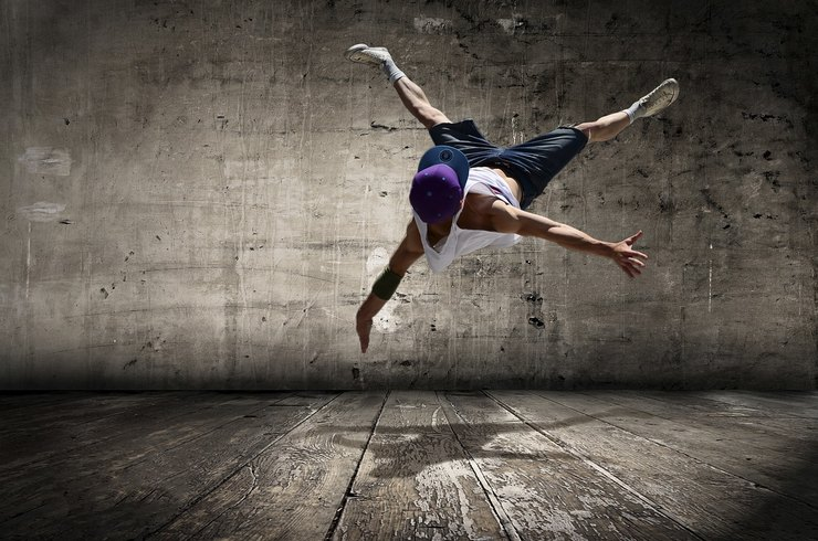 Темы  Вакансии июля: танцор, учитель английского, директор MANGO и не только
