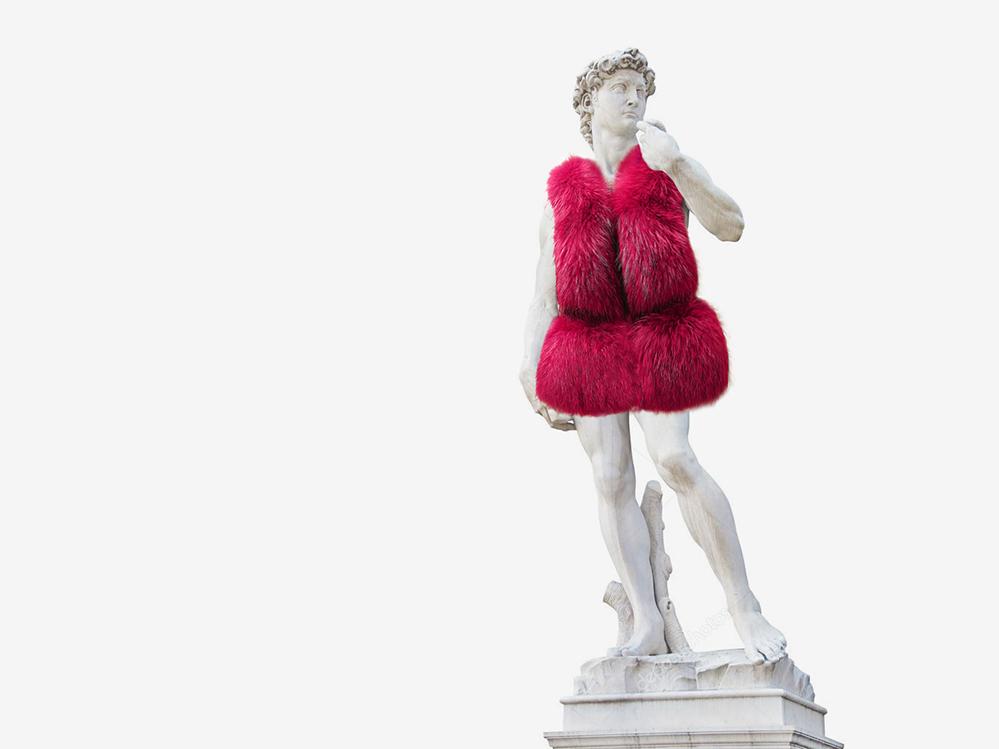 Темы  Бежевые колготки и летние сапоги. Дизайнеры и блогеры перечисляют модные катастрофы горожан