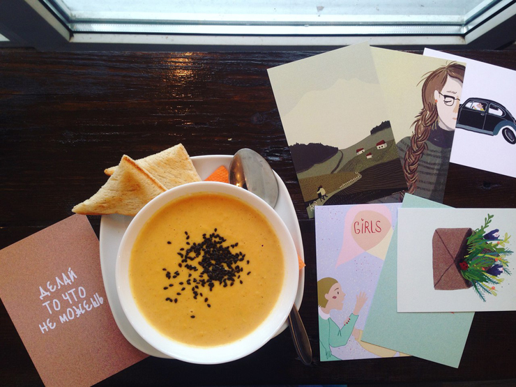 Новости  Новости еды: булочки с брусникой и клюквой, тыквенный суп, вечеринка «шляпников»