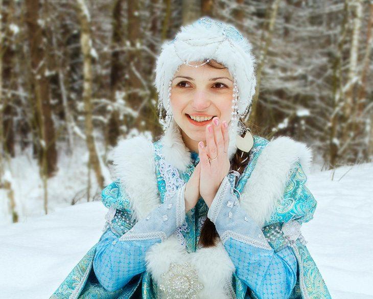 Темы  Вакансии декабря: сколько платят Снегурочке?